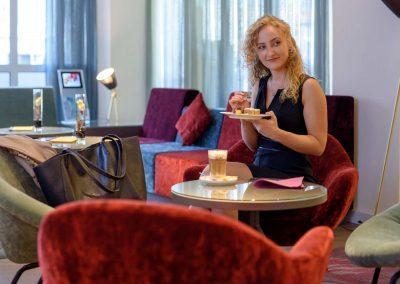 Mercure Hotel Dortmund Centrum Lobby Sitzecke Kaffee und Kuchen