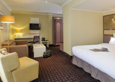 Mercure Hotel Dortmund Centrum Suite Bettansicht